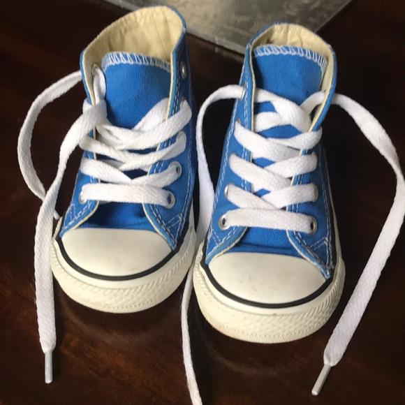 915d8316fb2d Converse Other - Little kids Converse shoes